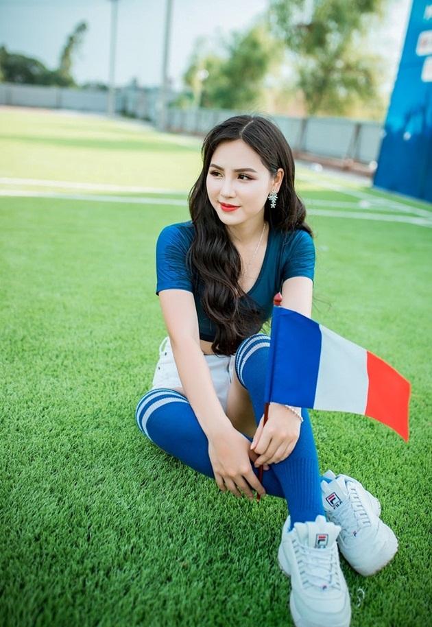 Hot girl xinh đẹp trên VTV cổ vũ tuyển Pháp, mơ ước làm phóng viên ảnh - Bóng Đá