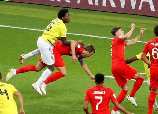 Hơn 250.000 chữ ký yêu cầu FIFA tổ chức lại trận Anh - Colombia - Bóng Đá