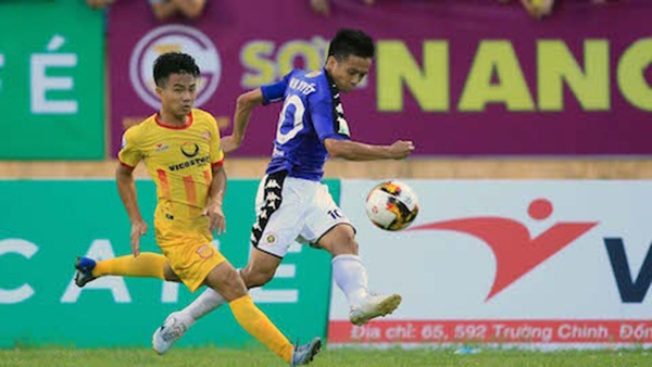 HLV Nguyễn Văn Sỹ tuyên bố không ngán Hà Nội FC - Bóng Đá