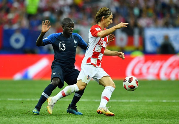 N'Golo Kante đá chung kết World Cup với bệnh viêm dạ dày - Bóng Đá