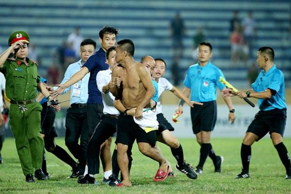 Bóng đá Việt vẫn xấu xí - Bóng Đá