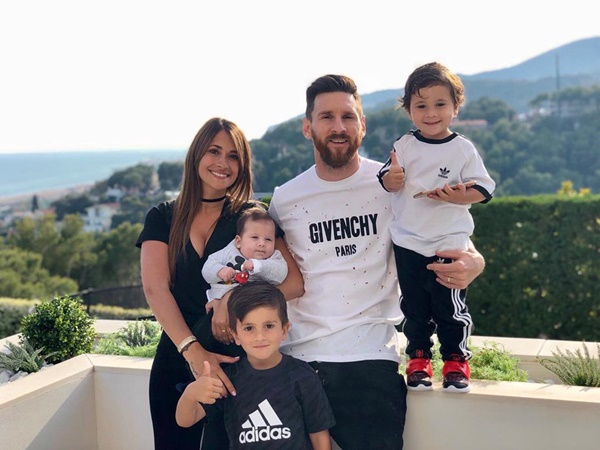 Bật mí thú vị về 2 cậu ấm cùng tên Mateo của Messi và Ronaldo - Bóng Đá