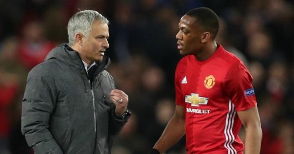 Những điều mà Mourinho cần phải học tập ở Sir Alex - Bóng Đá