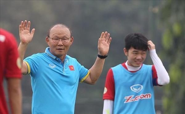 HLV Park Hang Seo chỉ ra tử huyệt của UAE trước trận tranh HCĐ - Bóng Đá