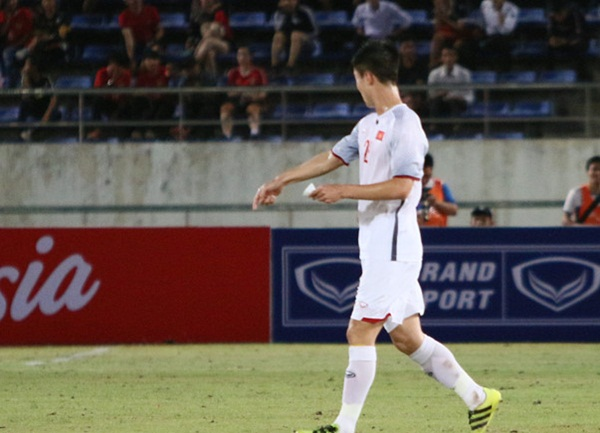 HLV Park Hang-seo gửi mật thư cho Duy Mạnh trong chiến thắng Lào - Bóng Đá