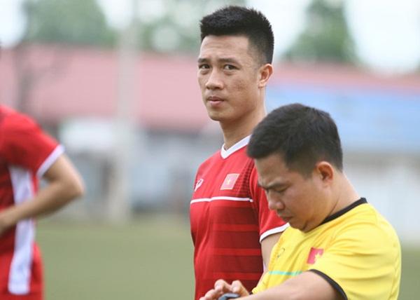 'Huy Hùng sẽ tiếp tục được sử dụng ở trận chung kết lượt về' - Bóng Đá