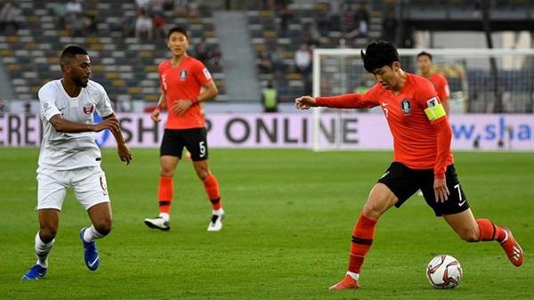 'Son Heung-min hầu như không làm gì cả, chỉ đứng yên trên sân' - Bóng Đá