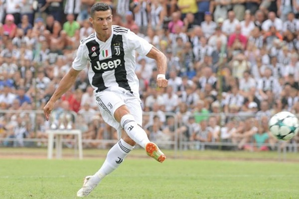 Cristiano Ronaldo sút phạt không tốt ở Serie A - Bóng Đá