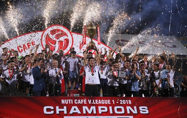Tiền vệ Tuấn Anh trở lại và những điều đáng chờ đợi ở V-League 2019 - Bóng Đá