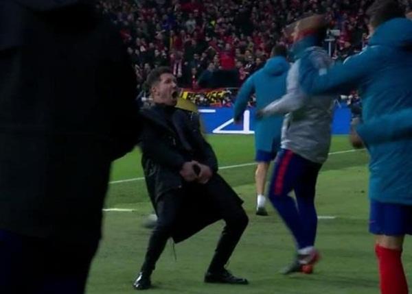 Ronaldo trước nguy cơ treo giò ở tứ kết Champions League - Bóng Đá
