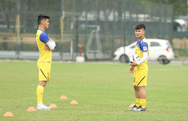 Nóng: Quang Hải gặp chấn thương trước thềm vòng loại U23 châu Á - Bóng Đá