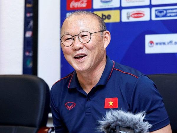 CĐV Hàn Quốc nói về mức lương của HLV Park Hang-seo - Bóng Đá