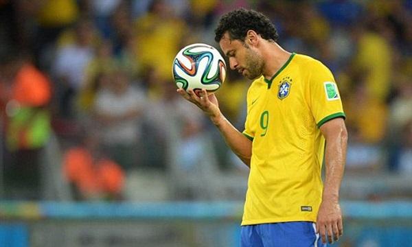 Fred - tiền đạo bị ghét nhất Brazil ở World Cup - Bóng Đá