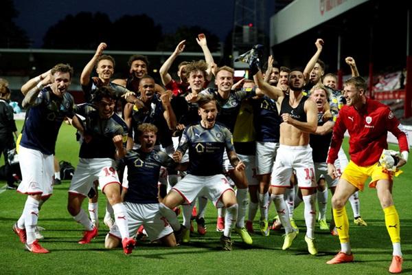 Brentford dự trận cầu 170 triệu bảng, mơ thành đội Ngoại hạng - Bóng Đá