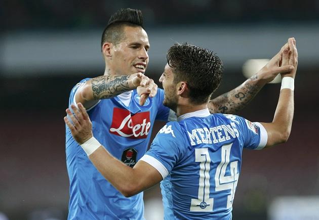 Vùi dập Cagliari, Napoli áp sát top 4