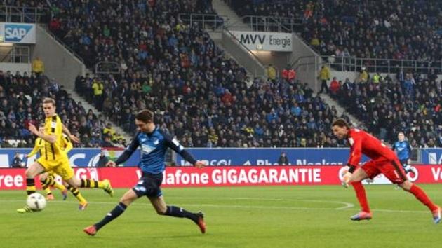 5 điểm nhấn Hoffenheim 2-2 Dortmund: Chiếc thẻ đỏ tai hại của Reus