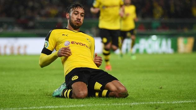 Reus nhận thẻ đỏ, Dortmund chật vật cầm hòa Hoffenheim