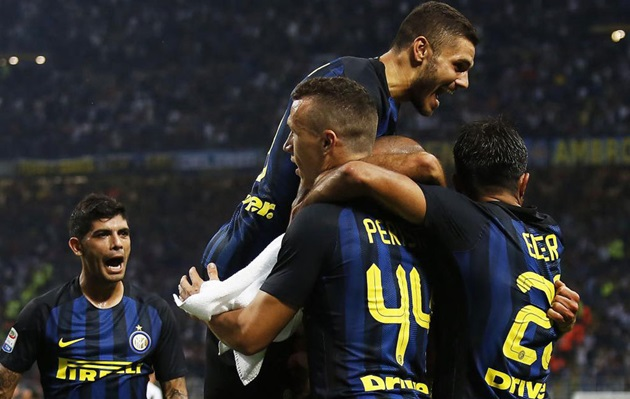 Perisic thăng hoa, Inter áp sát top 4 - Bóng Đá