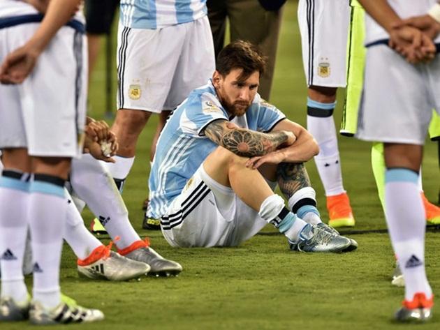 Ronaldo hạ Messi: Khi thiên tài không đứng số 1 - Bóng Đá