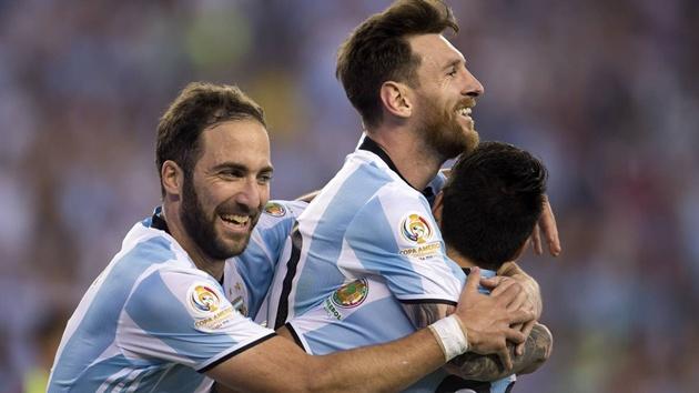 Tâm điểm Juventus vs Barcelona: Cuộc chiến của những ngôi sao Nam Mỹ - Bóng Đá