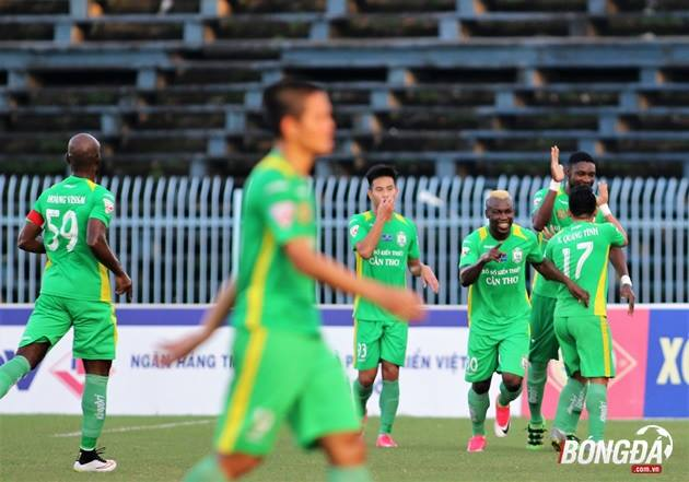 TRỰC TIẾP vòng 16 V-League: Nóng bỏng sân Cần Thơ  - Bóng Đá
