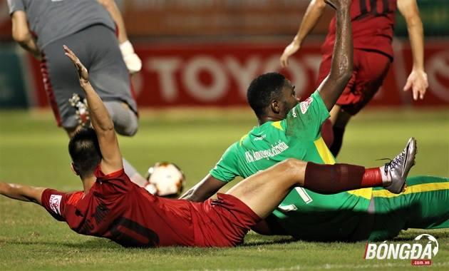 TRỰC TIẾP vòng 16 V-League: HAGL thua tâm phục khẩu phục - Bóng Đá
