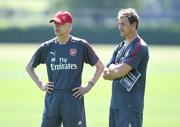 KHỦNG HOẢNG TẠI ARSENAL: Không có Wenger, Sanchez đã bị Jens