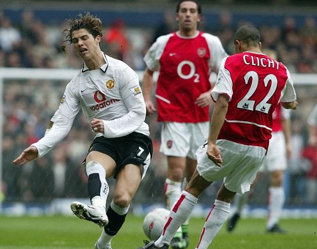 Ở tuổi 32, Ronaldo vẫn sừng sững như ngọn tháp Eiffel - Bóng Đá
