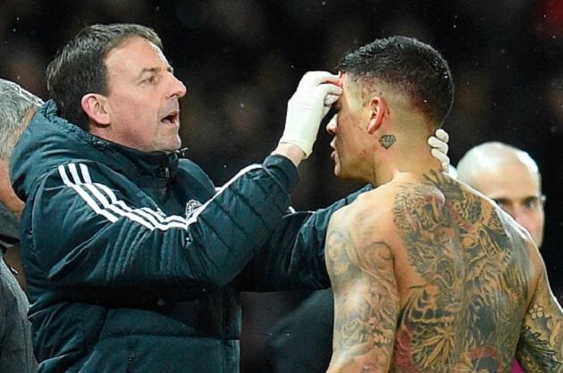 TRỰC TIẾP Man Utd 0-0 Man City: David Silva lên tiếng (H1) - Bóng Đá