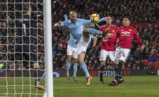 TRỰC TIẾP Man Utd 0-0 Man City: Sai lầm chết người của Delph (H1) - Bóng Đá