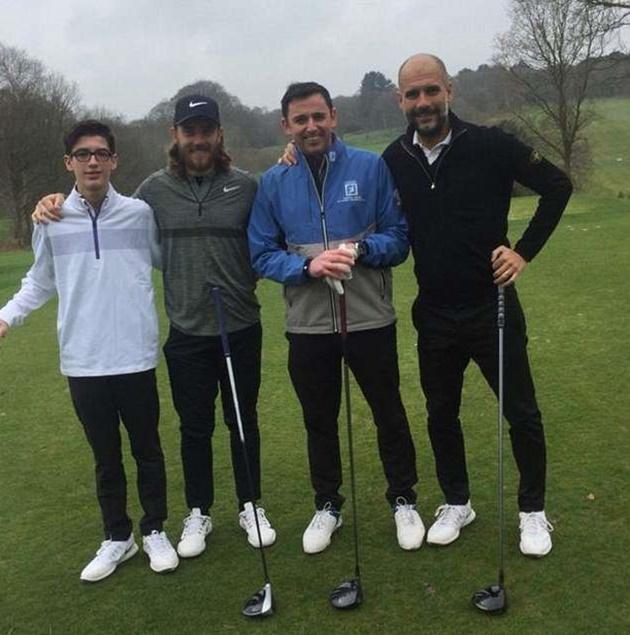 Man City vô địch, cầu thủ ăn mừng