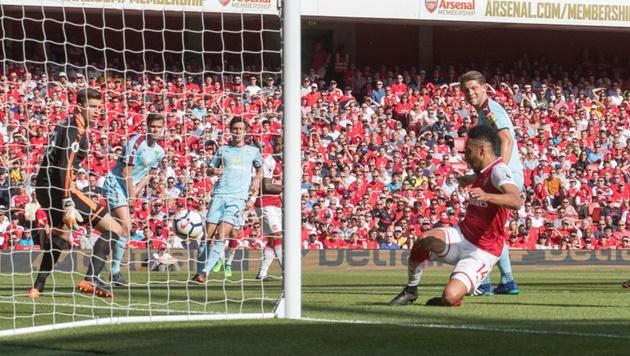 Hủy diệt Burnley, Arsenal có trận tri ân hoàn hảo với Wenger - Bóng Đá