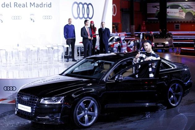 Không kém Benzema, Ramos cũng sở hữu bộ siêu tập xế hộp