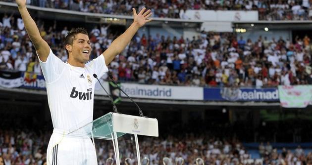 Điểm lại 10 thương vụ mua bán kỉ lục của làng túc cầu: Ronaldo 2 lần đi vào lịch sử - Bóng Đá