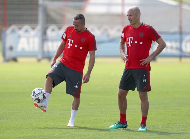 Những thái cực trái ngược nhau ngày Bayern Munich hội quân - Bóng Đá