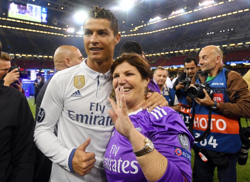 Những câu chuyện sẽ khiến bạn thay đổi định kiến về Ronaldo (Phần 2) - Bóng Đá
