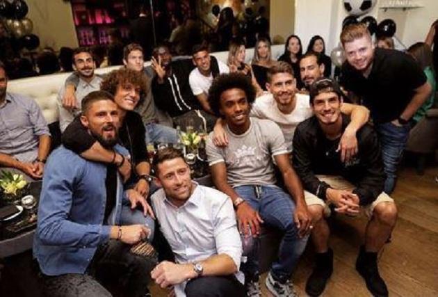 Dàn sao Chelsea tề tựu đông đủ ở sinh nhật lần 30 của Willian - Bóng Đá