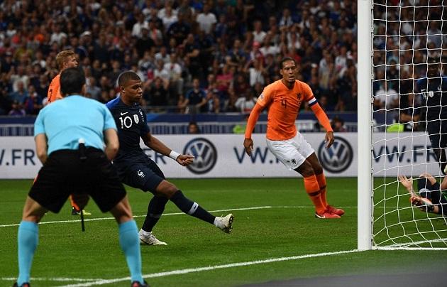 Giroud lập siêu phẩm giúp Pháp nhọc nhằn lấy 3 điểm trước Hà Lan - Bóng Đá