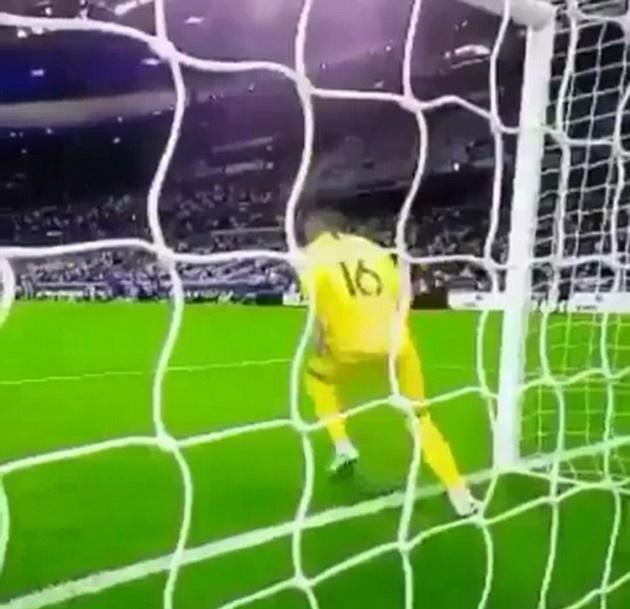 Sau Ibra, ngôi sao mới nổi của tuyển Pháp lại đem kungfu vào sân bóng - Bóng Đá