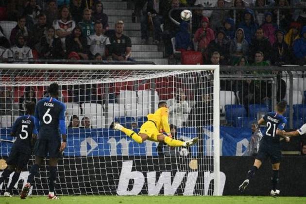 Hậu World Cup, 3 cầu thủ này đang làm Deschamps