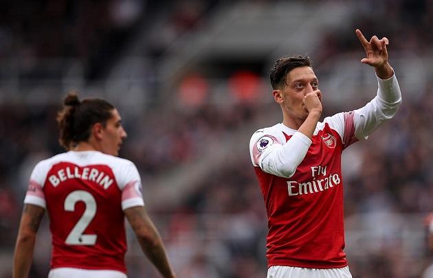 Dư âm chiến thắng Arsenal: Emery đặt dấu ấn, Ozil đập tan nghi ngờ - Bóng Đá