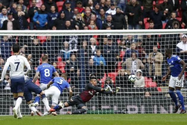 TRỰC TIẾP Tottenham 1-0 Cardiff: Đội khách chỉ còn chơi vơi 10 người (H2) - Bóng Đá
