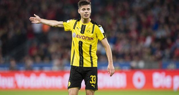 3 cầu thủ đủ khả năng thay thế Fernandinho ở Man City: Săn hàng trẻ của Ajax - Bóng Đá