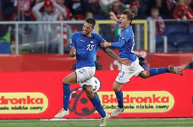 Sao lạ ghi bàn phút bù giờ, Italia tránh được nỗi lo rớt hạng - Bóng Đá