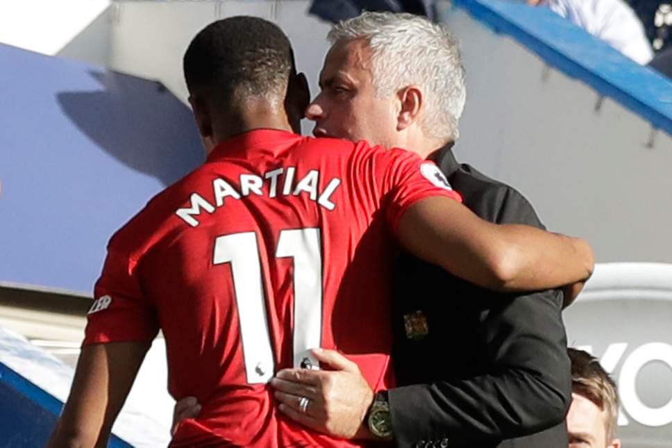 3 điều Mourinho cần làm để giữ mạch bất bại: Tin vào gà son Martial - Bóng Đá