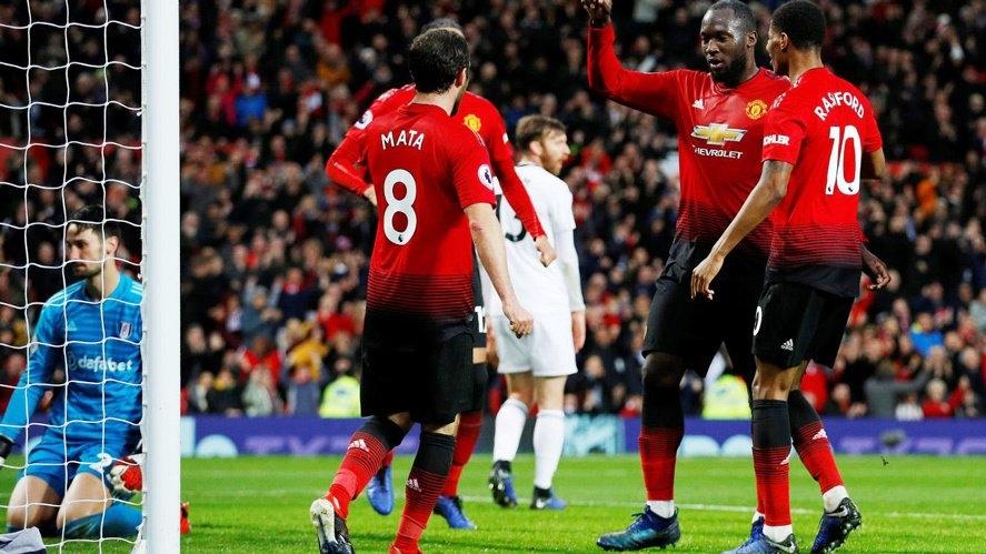 Sau vòng 16 Premier League: Man City mất chuỗi bất bại, Liverpool