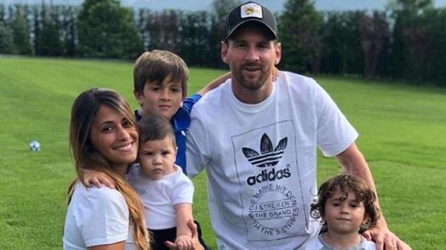 Choáng ngợp với chuyên cơ riêng đầy tình phụ tử của Messi - Bóng Đá
