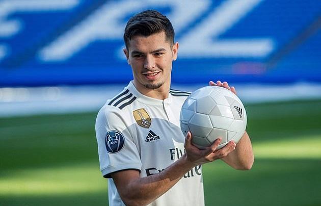 Tân binh đầu tiên ra mắt Real, Benzema có người chia lửa - Bóng Đá