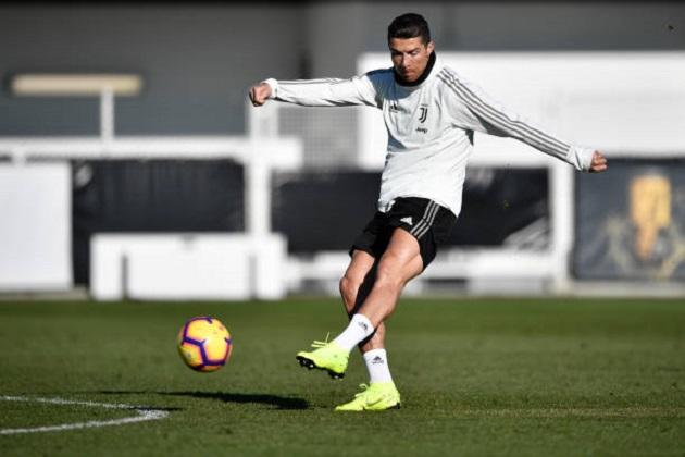 Ronaldo làm nóng sau kì nghỉ Đông, hướng đến kì lục khủng - Bóng Đá