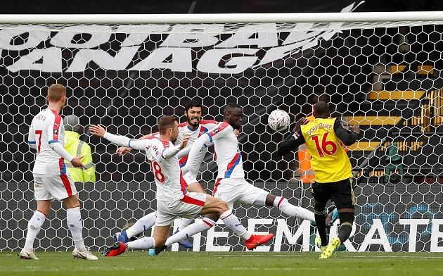 Mất vé vào Bán kết, 4 cầu thủ Crystal Palace hỏi tội tiền đạo của Watford - Bóng Đá